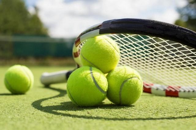 Жиззахда теннис бўйича ёшлар ўртасида мусобақа ўтказилмоқда