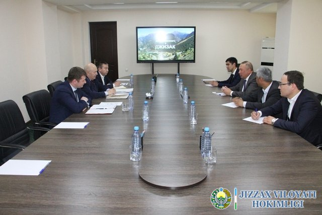 Жиззахда вилоят ҳокими Белоруссия ва Польшадан инвесторларни қабул қилди