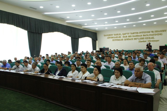 Халқ депутатлари Жиззах вилояти Кенгашининг қирқ тўртинчи сессиясида 9 масала кўрилди