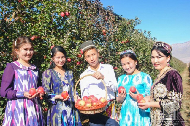 Агротуристик фестиваль Бахмал боғларида давом этди