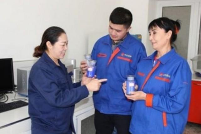 В Джизаке действует единственный в Центральной Азии завод по производству ультрамариновых красок