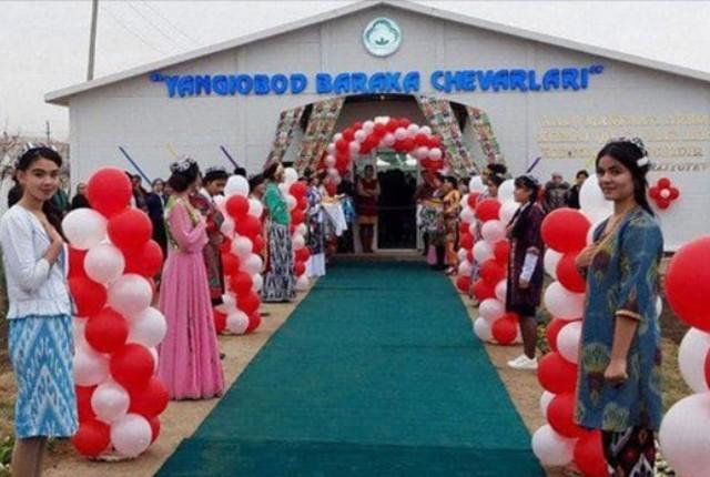 Более 100 женщин получили работу в швейном цехе «Янгиабад Барака Чеварлари»