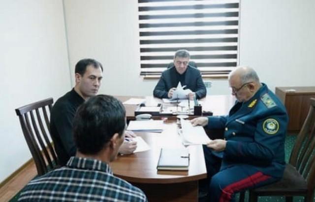 Ключи от служебных авто начальникам УВД, бытовая техника - правоохранителям, подарки и помощь - нуждающимся: министр внутренних дел побывал в Джизакской области