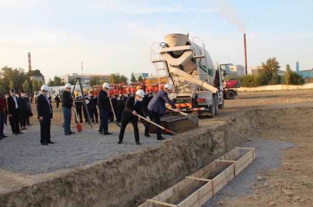 В СЭЗ «Джизак» строится новый завод